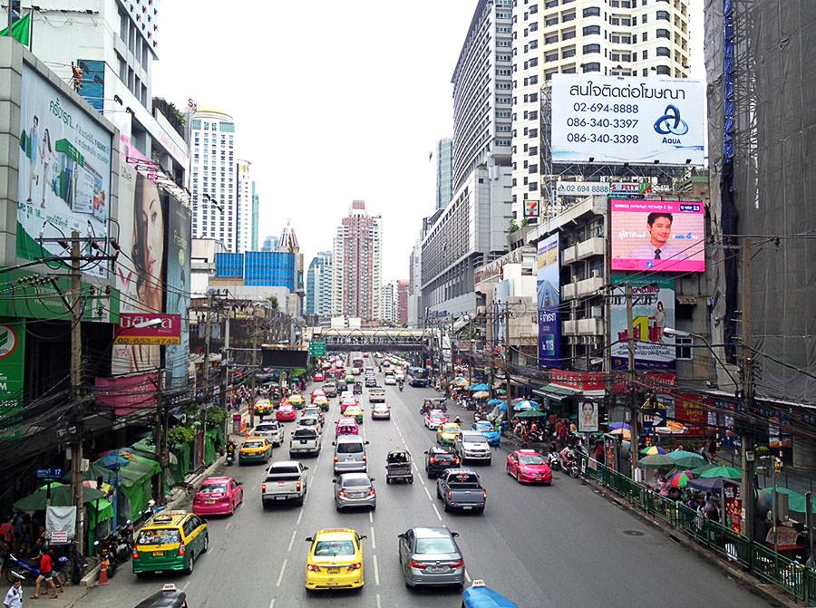 Bangkok-ueber-Strasse