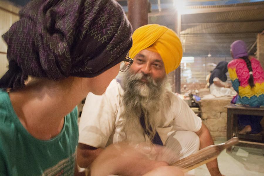Bina im Gespräch mit Arvinder Singh
