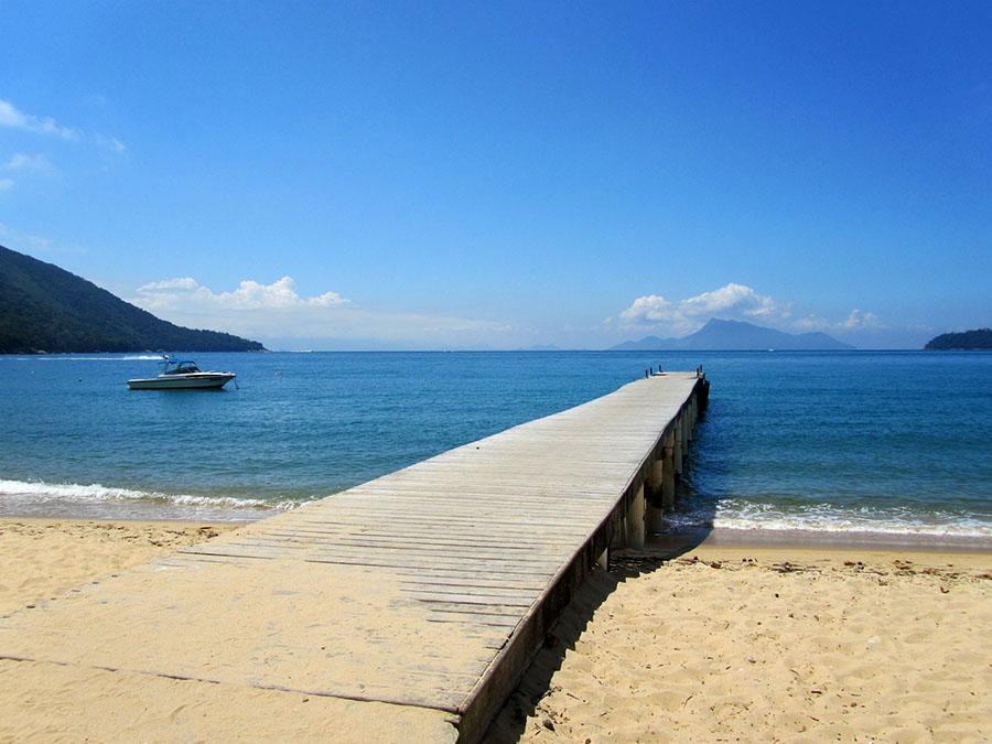 Bootsanlege-Steg in Palmas, Ilha Grande