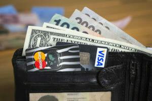 Kreditkarte-Bargeld-Ausland-Reise-Urlaub