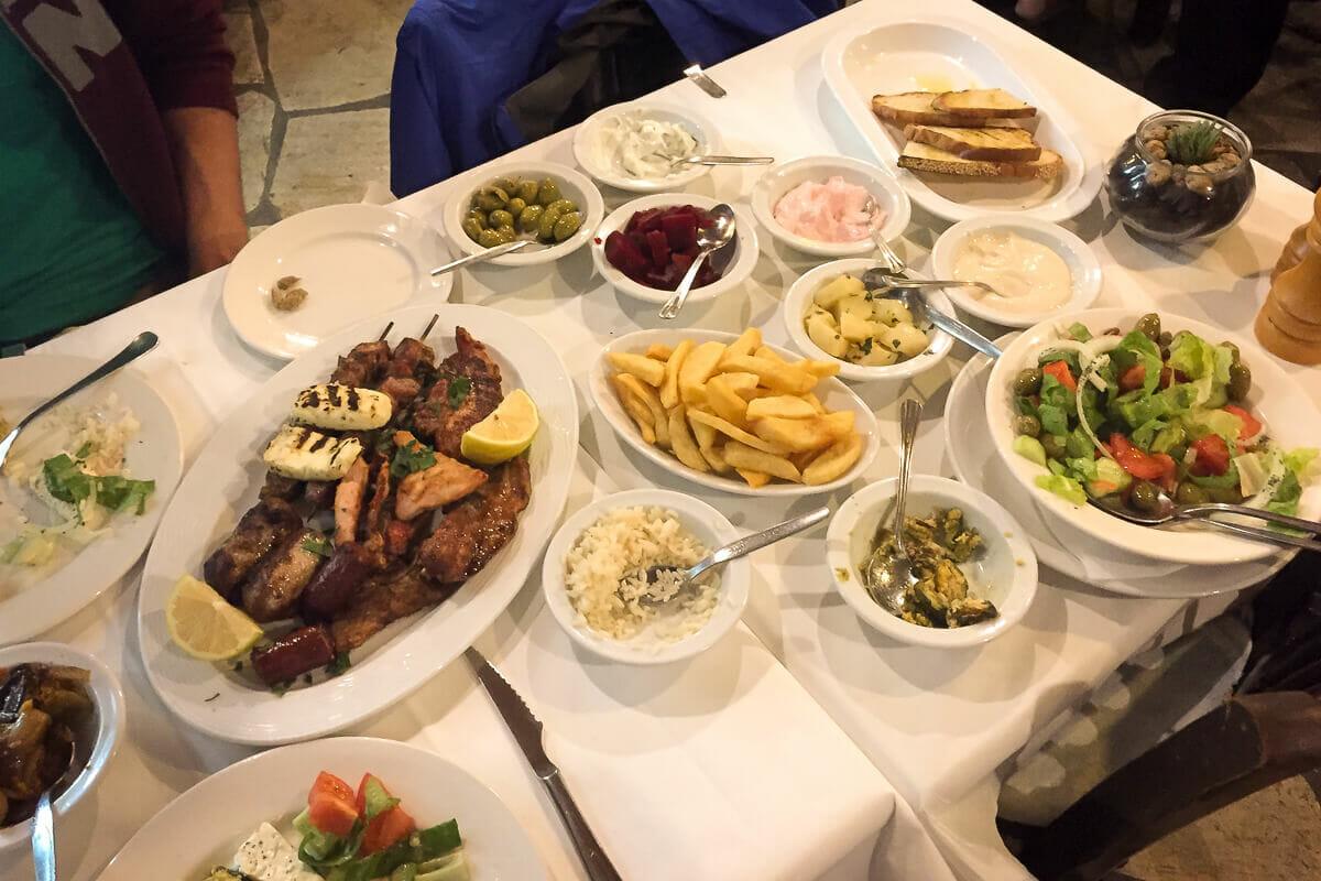 Mezé: viele Spezialitäten der zyprischen Küche