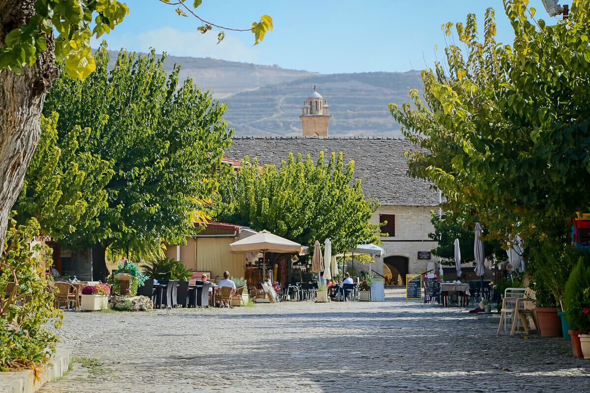 Omodos: ein traditionelles Dorf im Troodos-Gebirge auf Zypern
