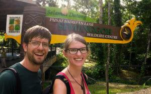 Orang-Utans-Semenggoh-Wildlife-Centre-Borneo-Kuching