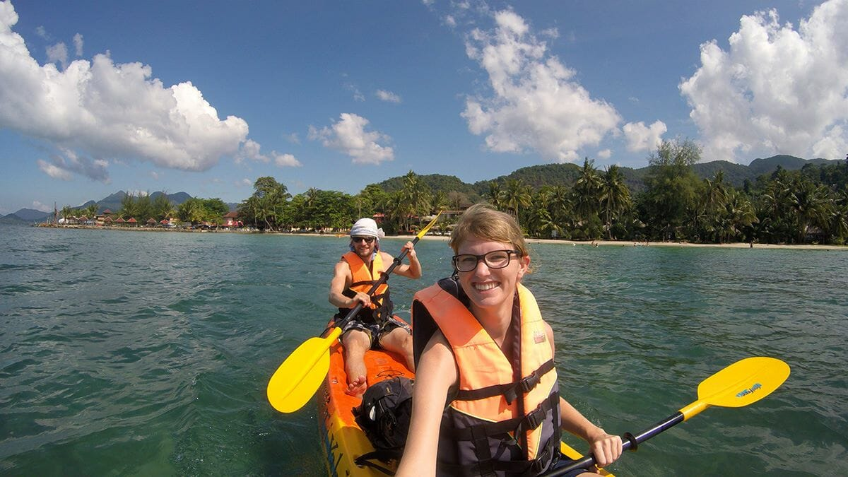 Paddeln bei Koh Chang in Thailand