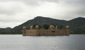 Sehenswuerdigkeiten-Jaipur-Wasserschloss-Jal-Mahal