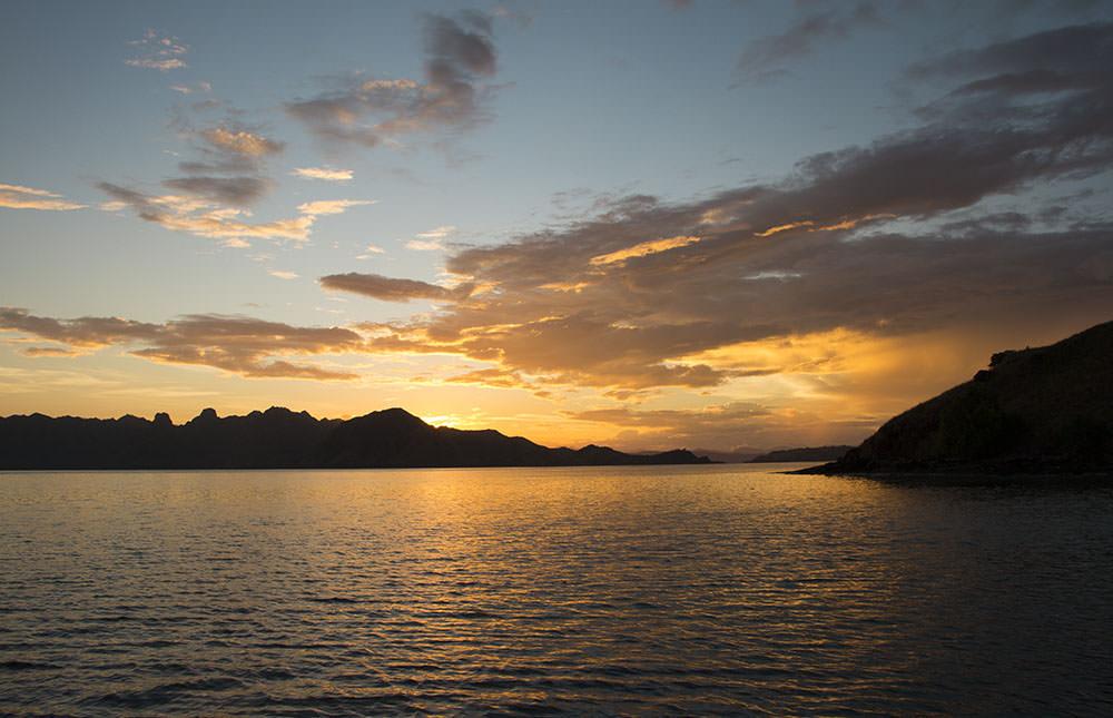 Am nächsten Morgen wurden wir von diesem Sonnenaufgang geweckt.