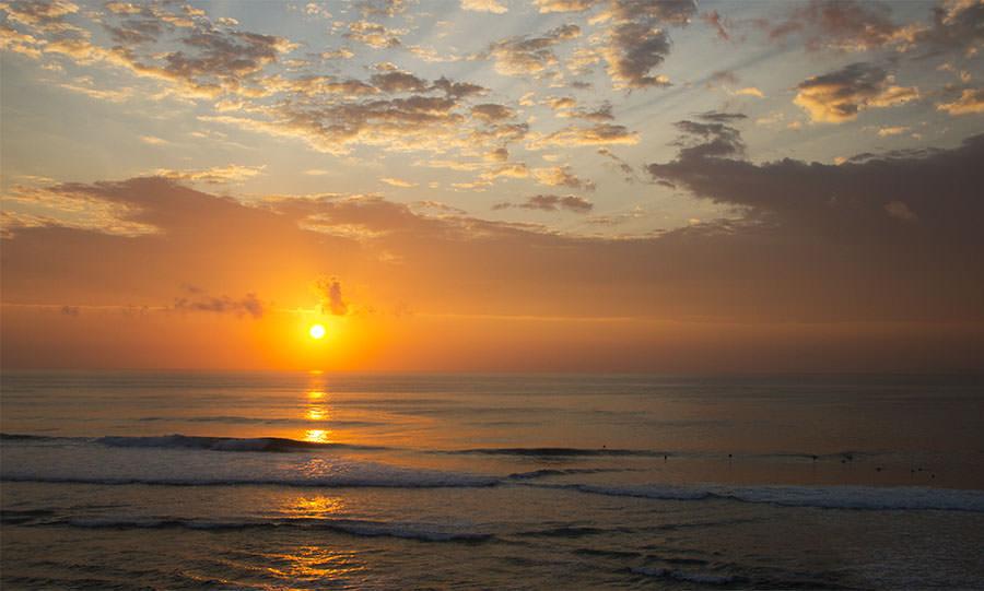 Unser letzter Sonnenuntergang auf Bali am Bluepoint bei Ulu Watu
