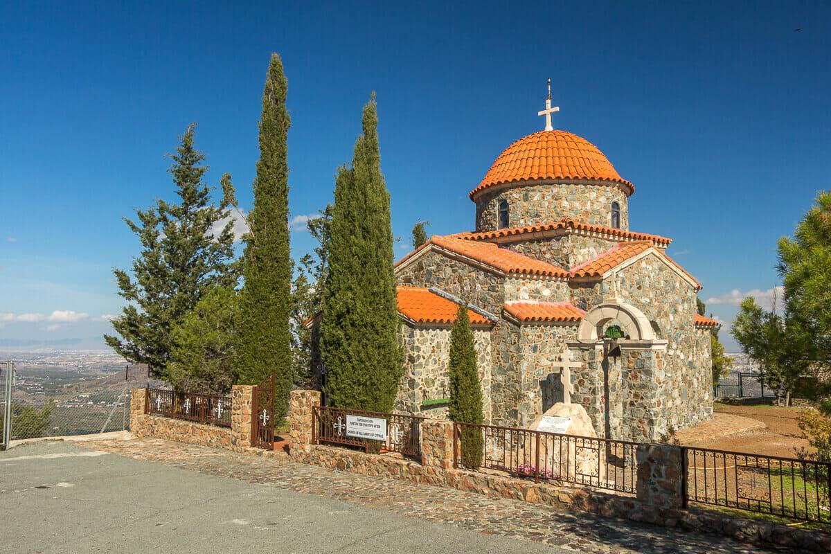 Kapelle beim Stavrovouni-Kloster mit atemberaubender Aussicht über Zypern