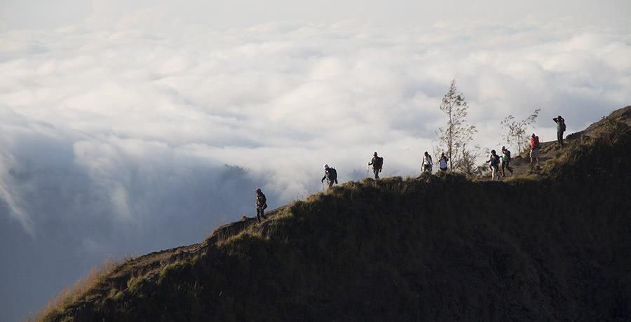 Trekking-auf-Kraterrand-Mount-Batur