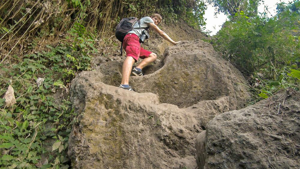 Unsere Wanderung bei Ubud wird zur Klettertour