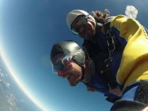 Angst verflogen beim Fallschirmsprung