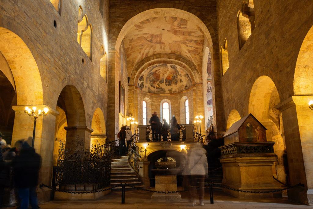 In der Basilika des Heiligen Georgs in Prag