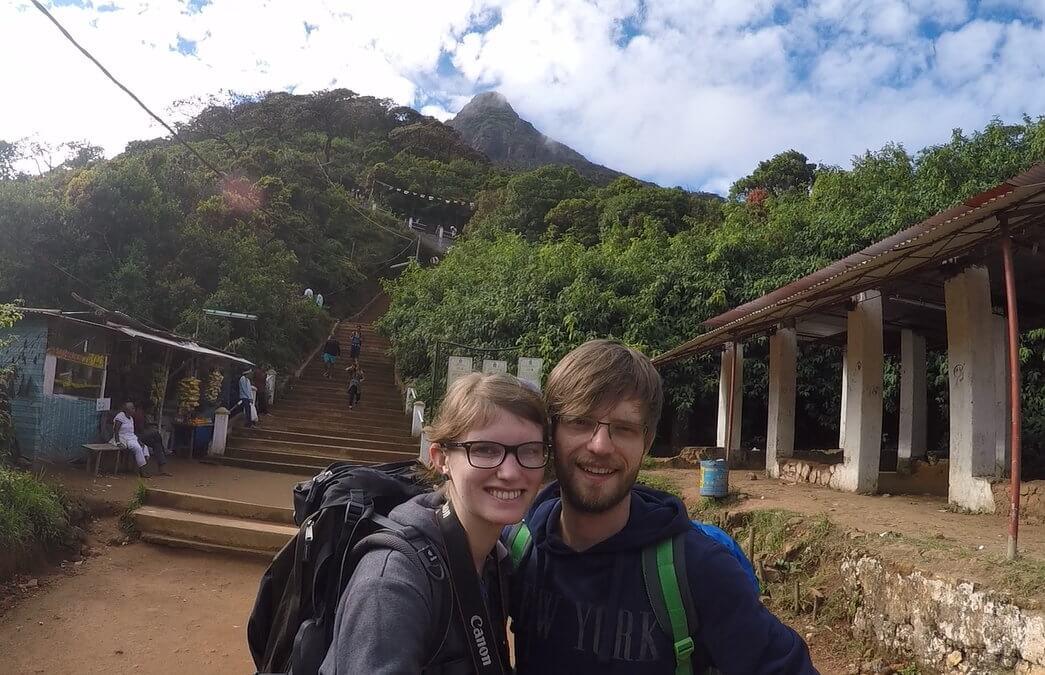 Bina und Francis nach dem Aufstieg zum Adam's Peak