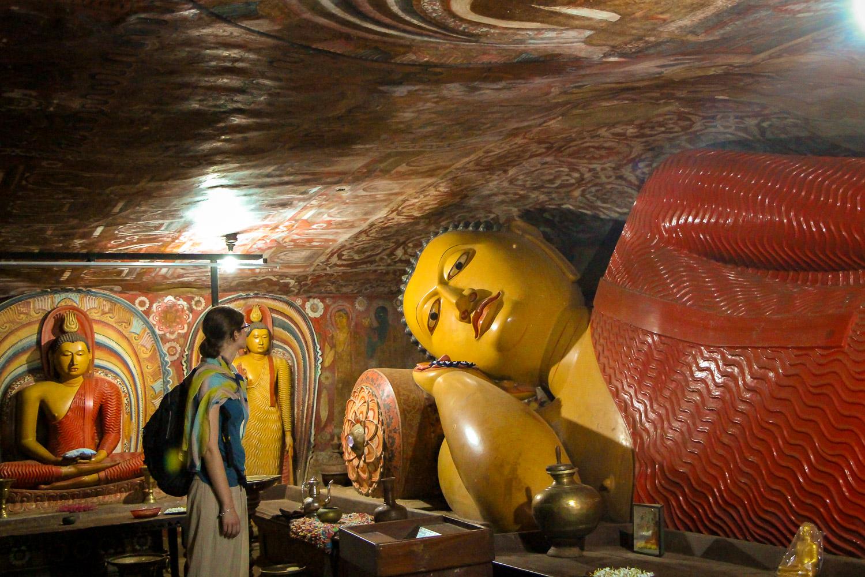 Der unbekanntere Degaldoruwa Felsentempel außerhalb von Kandy