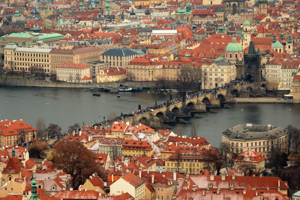 Die Karlsbrücke - eine der top Sehenswürdigkeiten in Prag