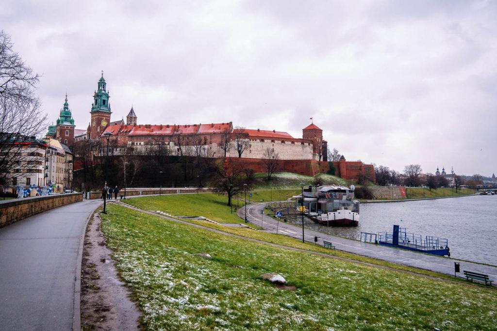 Blick von der Weichsel zur Wawel Burg von Krakau