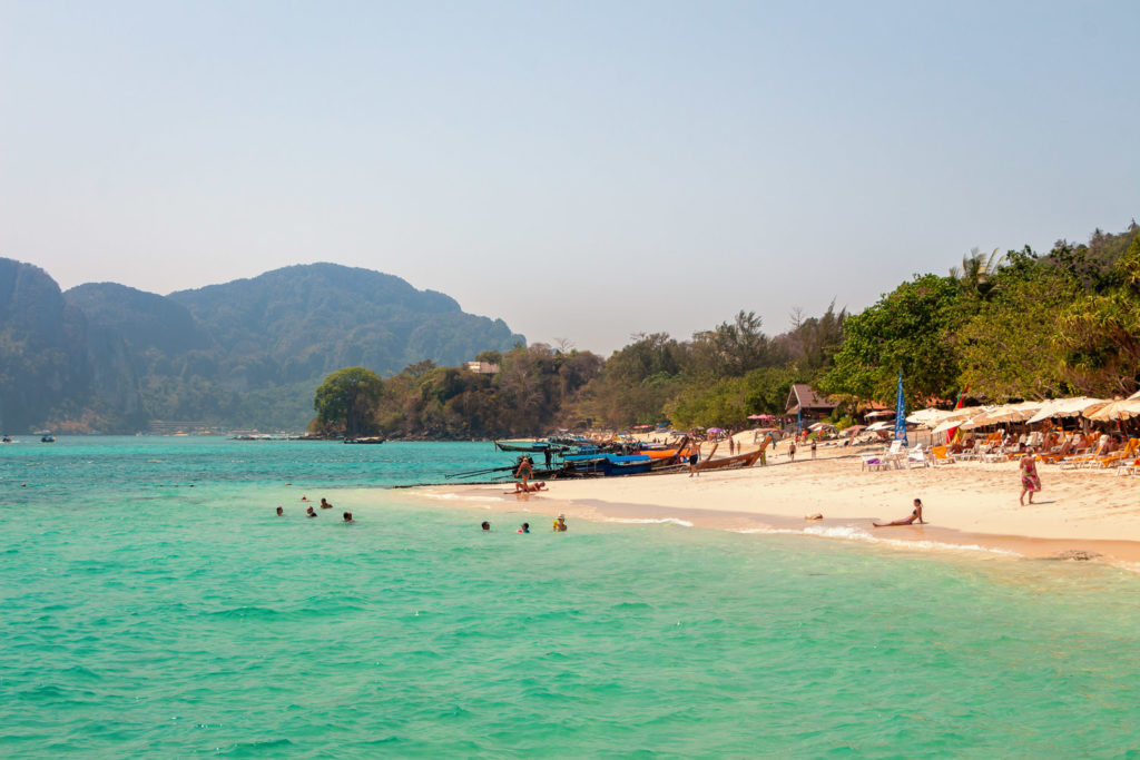 Baden am Long Beach in Thailand