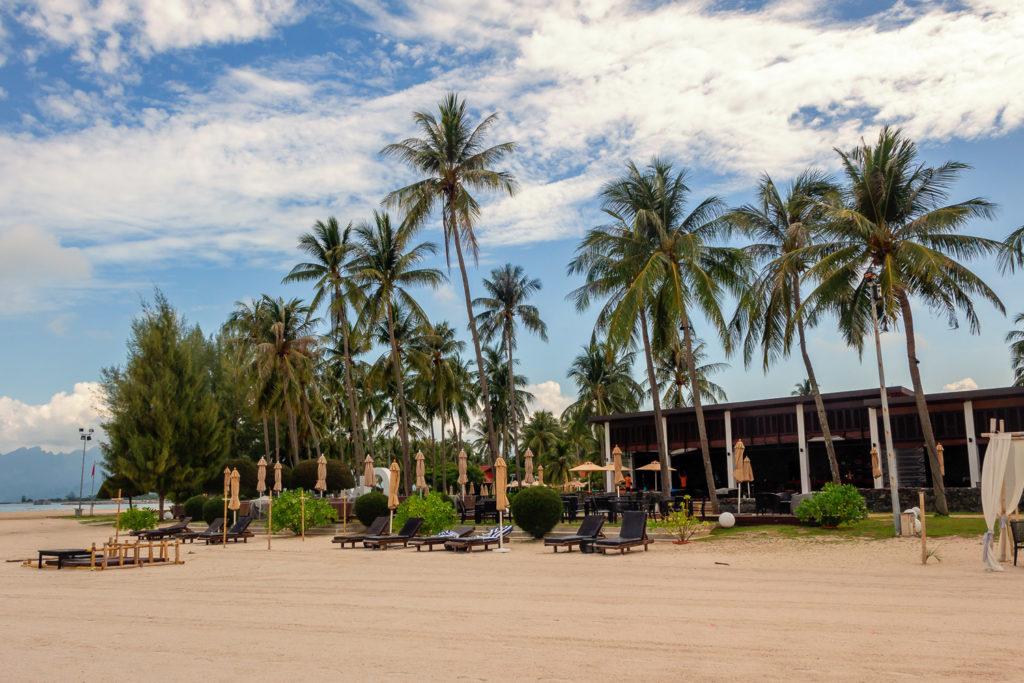 "Das Hotel ""Meritus Pelangi Beach Resort And Spa"" direkt am Cenang Beach"