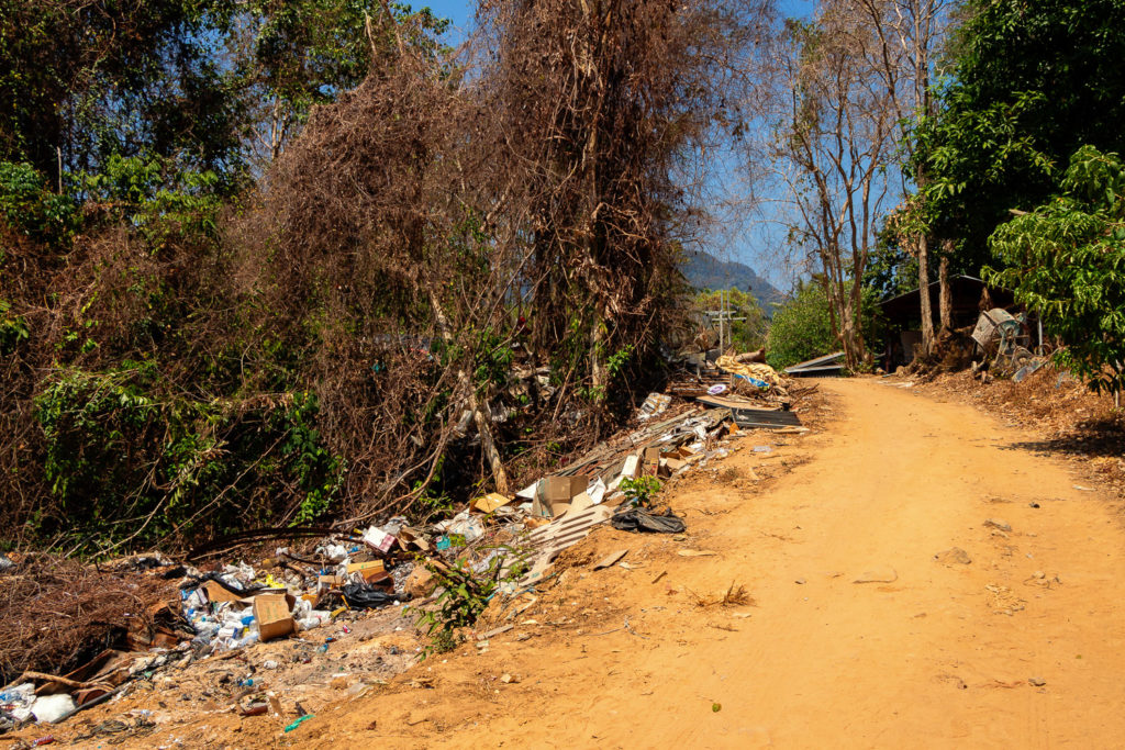 Das Inselinnere ist mit Müll verdreckt