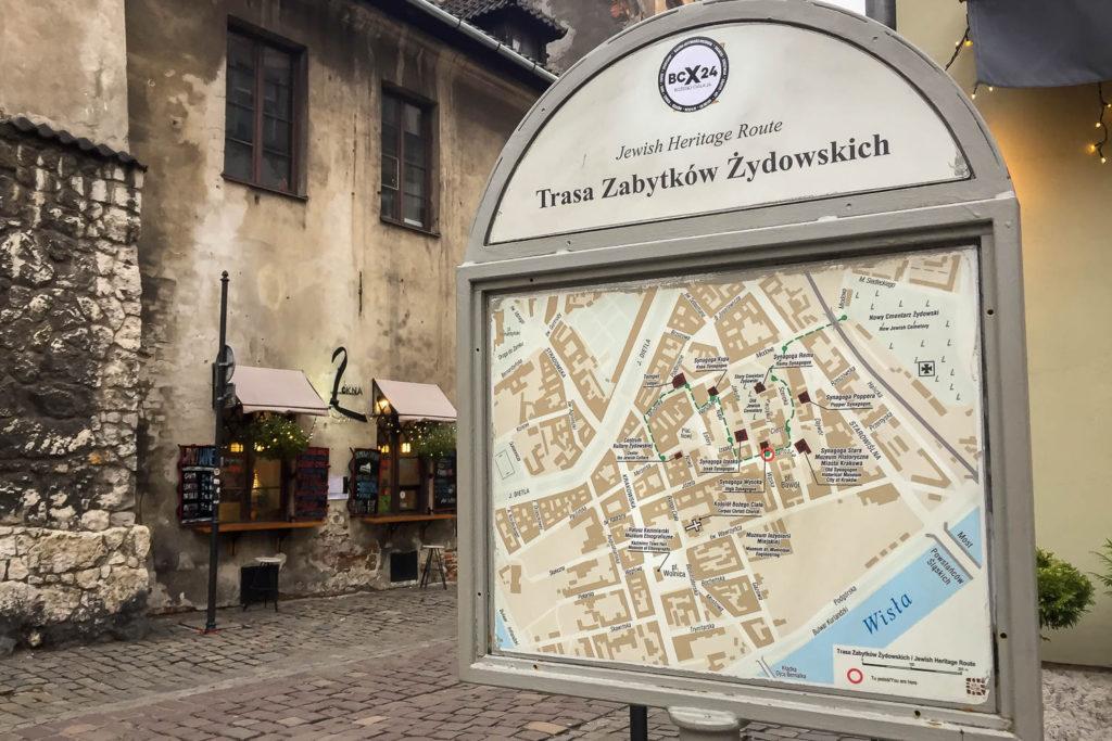 """Schild der """"Jewish Heritage Route"""" in Krakau"""