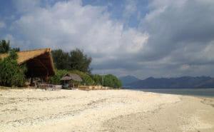 Viele Unterkünfte befinden sich auf den Gili Islands direkt am Strand