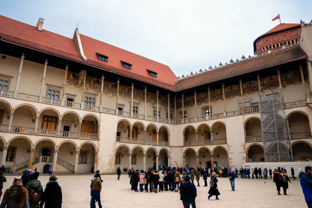 Im Innenhof der Wawel Burg Krakaus