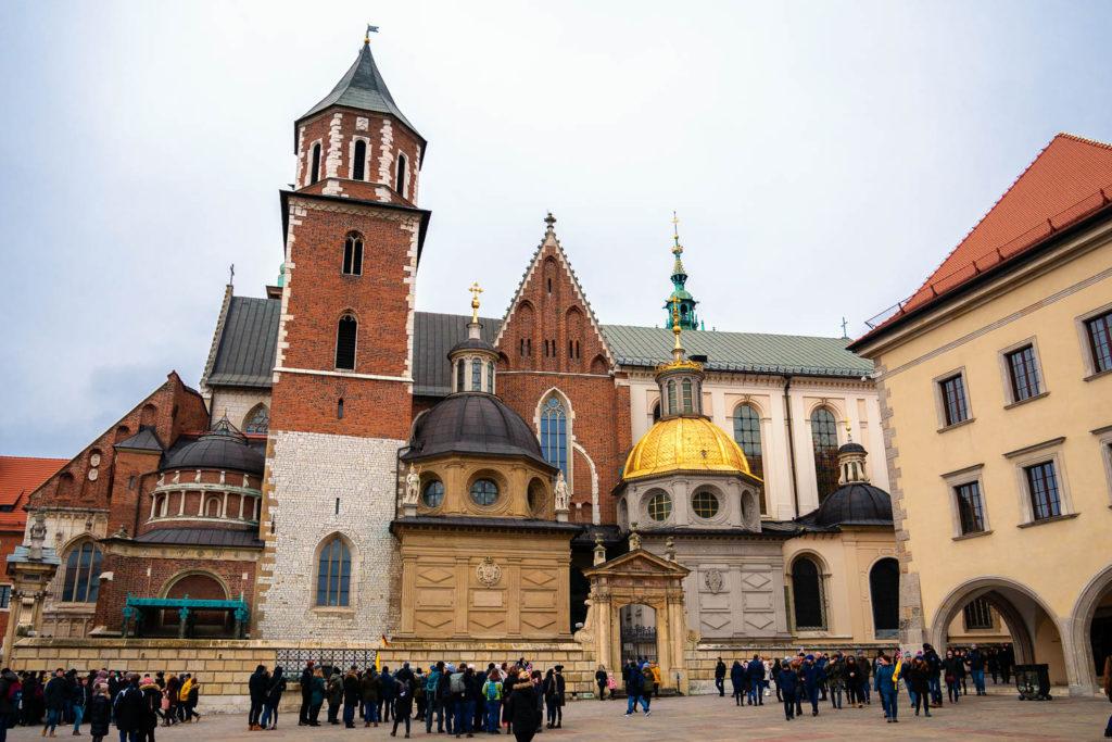 Die verschiedensten Baustile der Wawel-Kathedrale Krakaus